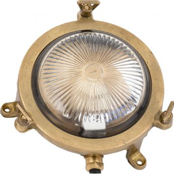 Garden light. brass-light-fixtures.com
