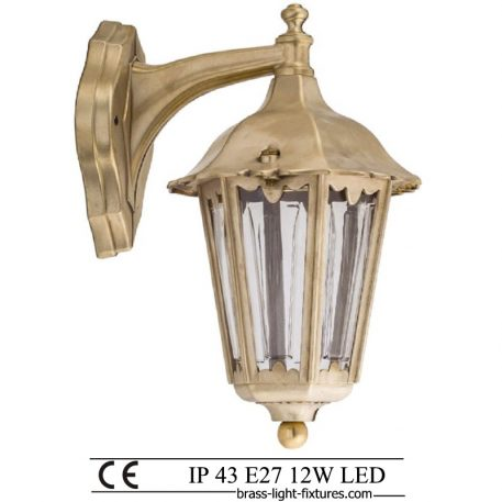 Classic British Lighting. Outdoor Wall Lamp. Made of Brass in brass finish. ART BR484K Brass